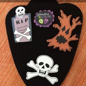 Halloween magnets and pin
